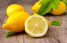 Ngọc Quyên mách nước bạn nên chọn chanh vàng vì chanh xanh khi nấu nước sẽ đắng, khó uống.