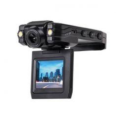 """Quer KOM0581 to wysokiej jakości wideorejestrator samochodowy nagrywający obraz w rozdzielczości 640 x 480 px. Zarejestrowany materiał można od razu podejrzeć na wbudowanym wyświetlaczu o przekątnej 2"""" z możliwością obracania. Rejestrator pozwala również na robienie zdjęć w rozdzielczości 3Mpx. Urządzenie obsługuje karty pamięci o pojemności do 32 GB."""
