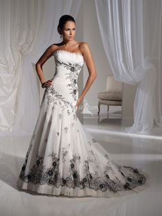 How can you not love this dress. I absolutely LOVE this dress!!! www.aliexpress.com. Custom-Made-Top-Quality-Chic-Casual-Mermaid-Embroidery-Ruffled-Sexy-Black-White-Bridal-Wedding-Dress-Long.jpg (800×1066)
