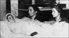 Anneliese Michel: Tortured to Death With Exorcism . Louis Daguerre, Anneliese Michel, Memento Mori Photography, Post Mortem Pictures, Head In The Sand, Post Mortem Photography, Antique Pictures, Momento Mori, Young Female