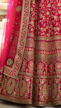 Nice okay design. Latest Bridal Lehenga, Indian Wedding Lehenga, Wedding Lehenga Designs, Designer Bridal Lehenga, Bridal Lehenga Choli, Brocade Lehenga, Wedding Mandap, Wedding Stage, Wedding Receptions