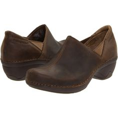 Patagonia Better Clog (Deep Espresso) Women's Clog Shoes (100 NZD) ❤ liked on Polyvore featuring shoes, clogs, brown, platform shoes, patagonia clogs, patagonia shoes, clog shoes and brown shoes