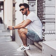 Mens summer casual short outfits worth to copy 55 #MensFashionShorts
