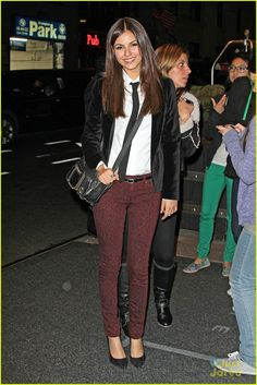 Victoria Justice....omg I have those pants!