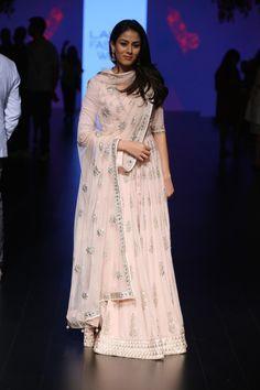 Mira Kapoor in baby pink gota patti lehenga | Anita Dongre Love Notes | Lakme Fashion Week 2016