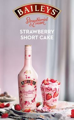 Give your strawberry shortcake a sweet upgrade w/ Baileys Strawberries & Cream l., your strawberry shortcake a sweet upgrade w/ Baileys Strawberries & Cream liqueur. To make, melt white chocolate into bowl & cool. Summer Drinks, Cocktail Drinks, Fun Drinks, Cocktail Recipes, Alcoholic Drinks, Beverages, Baileys Drinks, Cream Liqueur, Low Carb Side Dishes