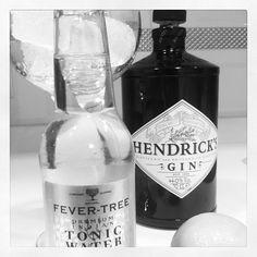 ein herz f r gin and tonic und pinterest pinterest gin ein herz und gin mit gurke. Black Bedroom Furniture Sets. Home Design Ideas