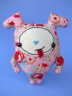 Tutorial: hot diggity dog toy softie sewing pattern #free #sewing #kids #diy #crafts