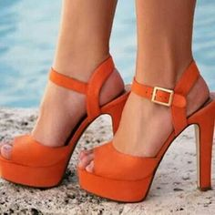 I do not know why, but I want a pair of orange heels really badly. It's like an accessory craving! Steve Madden Stiefel, Steve Madden Boots, Crazy Shoes, Me Too Shoes, Orange Heels, Colorful Shoes, Beautiful Shoes, Pretty Shoes, Fashion Shoes