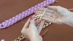 Körbehorgolt nyaklánc készítése  -  A Vedd fel a fonalat Erzsivel műsor várva várt 2. epizódja! Ebben a részben Erzsi egy egyszerű és gyorsan elkészíthető ötletet mutat be, mellyel azonnal feldobhatjátok ruhatáratok egy-egy unalmasabb darabját.