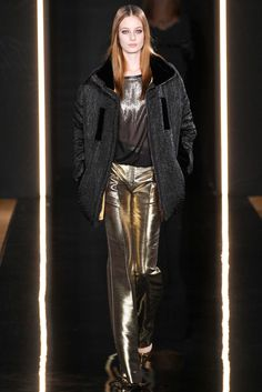 Valentin Yudashkin Fall 2015 Ready-to-Wear - Collection - Gallery - Style.com