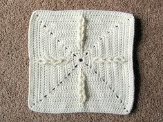 chained compass motif square #crochet #DIY #craft