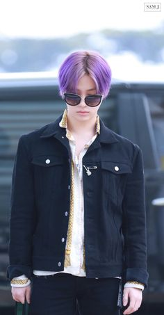 Welcome to iKON-Official, your daily source of all news, updates, pictures, videos and everything. Kpop Hair Color, Boys Colored Hair, Who Are You School 2015, Ikon Member, Kim Jinhwan, Jay Song, Boy Hairstyles, Airport Style, South Korean Boy Band
