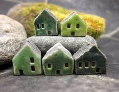 5 Saggar Fired Miniature House BeadsGreens by elukka on Etsy, €15.50