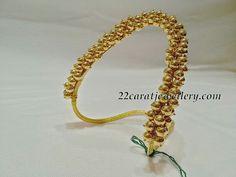 Simple Kasu Mala and Ara Vanki - Jewellery Designs Gold Rings Jewelry, Coral Jewelry, India Jewelry, Temple Jewellery, Gold Bangles, Wedding Jewelry, Silver Jewellery, Bangle Bracelets, Fine Jewelry