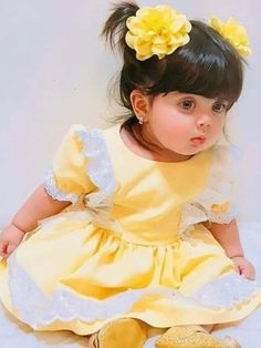 In this video, we will show you beautiful stylish kids outfit ideas, baby girls dress designs, cute Kids Style & more. Cute Little Baby Girl, Cute Kids Pics, Cute Baby Girl Pictures, Little Baby Images, Baby Girl Dress Design, Baby Girl Dresses, Beautiful Children, Beautiful Babies, Cute Baby Girl Wallpaper