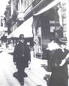 Vancouver Police Beat cop at Robson and Granville in the History Facts, Old Pictures, British Columbia, West Coast, Vancouver, Canada, Travel, Vintage, Viajes
