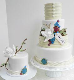 Wedding Cakes in Bloom - MODwedding