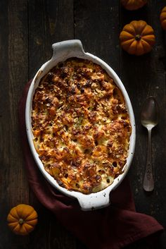 Butternut gratin chestnuts and hazelnuts Banana Confit recipe Confit Recipes, Meat Recipes, Fall Recipes, Crockpot Recipes, Vegetarian Recipes, Snack Recipes, Crockpot Meat, Healthy Foods To Eat, Healthy Snacks