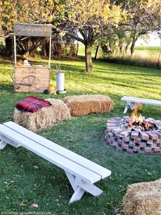 Host a Fall Harvest Party in Your Backyard! - - Are you looking for Fall party ideas? Discover backyard Harvest party ideas including a s'more bar, campfire, Pumpkin patch and Fall decoration ideas! Bonfire Birthday Party, Outdoor Birthday, 16th Birthday, Backyard Bonfire Party, Backyard Parties, Fall Bonfire Party, Backyard Ideas, Harvest Birthday Party, Landscaping Ideas