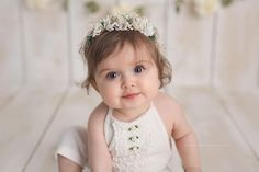 Beautiful handcrafted newborn, child and maternity floral crowns and halos. Designed for professional photography and special occasions. Cute Photos, Baby Photos, Photography Props Kids, Kids Photo Props, Baby Flower Crown, Baby Portraits, Newborn Photographer, Baby Headbands, 12 Months