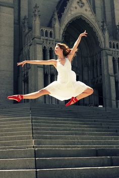 The Red Shoes! i feel like i need to take my shoes to Europe and take pictures in front of all the buildings :) Sur les pointes, ballet beautie ! Dance Like No One Is Watching, Dance With You, Dancing In The Rain, Dancing Shoes, Dirty Dancing, Shall We Dance, Lets Dance, Jazz, Dance Movement