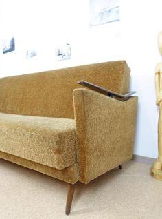 alte bauernbank von mir restauriert und neu bezogen also wie neu armlehnen kann man. Black Bedroom Furniture Sets. Home Design Ideas