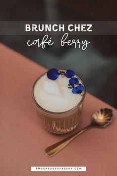 Ce sont les boissons originales de chez café Berry qui nous ont plu ! London fod, campfire latte, sont deux de nos préférées, mais allez y et vous verrez ! #caféberry #brunch #paris #bonnesadresses C'est Bon, Coffee Shop, Latte, Berry, Panna Cotta, London, Ethnic Recipes, Food, Paris In Love
