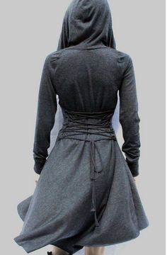 I love that this jacket has a drawstring/corset thing on the back and a large hood! Gray Dress, Purple Dress, Hoodie Dress, Casual Day Dresses, Women's Dresses, Bridesmaid Dresses, Mantel Jacke, Hippies, Kimono