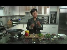 Breville -- Chef Patricia Yeo's signature stir fry - YouTube