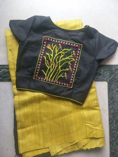 Saree Blouse Designs, Blouse Patterns, Design Model, Blouses, Hand Painted, Models, Embroidery, Sweatshirts, Sleeves