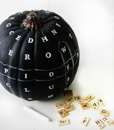 Make a chalkboard word find pumpkin! Easy pumpkin craft and fun for a fall/ Halloween party! Holidays Halloween, Fall Halloween, Halloween Crafts, Halloween Party, Halloween Ideas, Halloween Decorations, Halloween Stuff, Fall Crafts, Happy Halloween