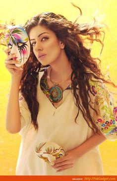 http://www.pakgadget.com/shirin-hassan-eid-20122013-semiformals-lawn-georgette-silk-ladies/#    581242_326113814147443_1624964286_n