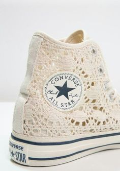 I take thee, Chuck Taylor. If my daughter gets married someday, I'm going to buy her these lace Converse Chuck Taylor high top sneakers to wear under her dress. Converse Chuck Taylor, Converse High, Converse Style, Lace Converse Shoes, Converse Sneakers, Crochet Converse, Converse Outfits, Vans Outfit, Custom Converse