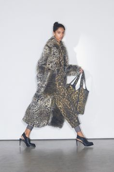 FW 2018 Stella McCartney Pre-Fall 2018 Collection - Vogue