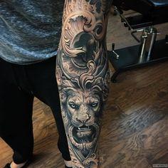 Фотография татуировки под названием «Лев с узорами»