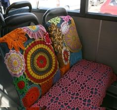 This picture just gave me the lovely idea to crochet seat covers for my car!