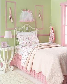 I love this bedskirt for a little girls room.