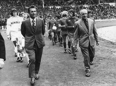 Bill Shankly and Brian Clough (Liverpool V Leeds United, Charity Shield) = the founder of Liverpool's glory era and a man who could be considered as the most mythical football manager of the English Football ever! Legends.