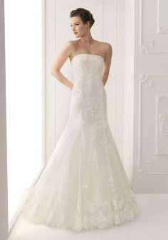 Luxury Tulle Spring Strapless A line Cathedral Train Wedding Gowns With Beading - Lunadress.co.uk