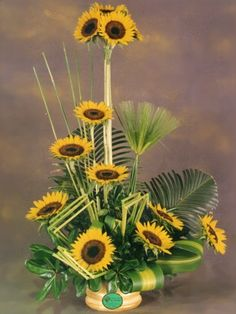 Modern Floral Arrangements, Sunflower Arrangements, Beautiful Flower Arrangements, Silk Flower Arrangements, Beautiful Flowers, Church Flowers, Fall Flowers, Exotic Flowers, Tropical Flowers