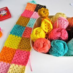 Over the last few months I got a lot of questions about the pattern for my Granny Square Color Bomb Blankets. It's a classic granny squ...