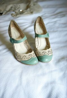 Vintage mint wedding shoes