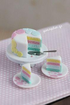 fuckyeahminifood: http://www.deviantart.com/art/Miniature-Cake-Pastel-Dots-356610753