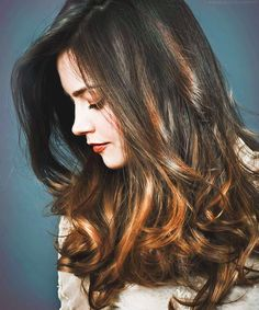 Jenna Coleman has perfect hair and is a super pretty companion for the doctor! Jenna Coleman, Gorgeous Hair, Hello Beautiful, Poses, Pretty Hairstyles, Doctor Who, Twelfth Doctor, Her Hair, Hair Inspiration
