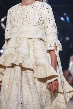 Alexander McQueen Ready To Wear Spring Summer 2016 Paris Indian Western Dress, Western Dresses, Stylish Dress Designs, Stylish Dresses, Dresses For Work, Embroidery Suits Design, Embroidery Fashion, Mirror Blouse Design, Mirror Work Dress