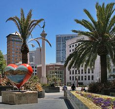 Union Square...Apparently someone left their heart in San Francisco ♥