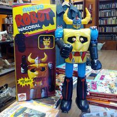 Robot de la empresa zaragozana Nacoral, muy similar a los Mazinger de Mattel de los años 70, visto en la Buhardillica (Calle Lausana 2) #zaragozaguia #zaragoza #regalazaragoza #zaragozapaseando #zaragozaturismo #zaragozadestino #miziudad #zaragozeando #mantisgram #magicaragon #loves_zaragoza #loves_aragon #igerszaragoza #igerszgz #igersaragon #instazgz #instamaños #instazaragoza #zaragozamola #zaragozacity #quehacerenzgz