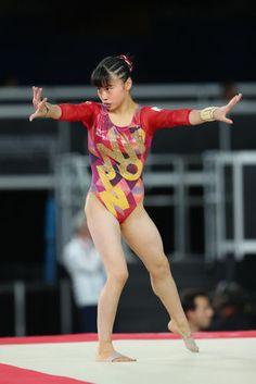 【体操女子】杉原愛子(すぎはら あいこ)の写真、画像集 - NAVER まとめ Gymnastics Photos, Gymnastics Photography, Artistic Gymnastics, Parkour, Female Athletes, Pose Reference, Leotards, Yoga Fitness, Asian Girl