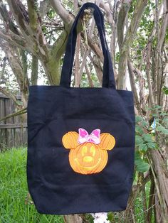 Disney Halloween Minnie Mouse Pumpkin Themed.disney  halloween  #Halloween #bags wwwloveitsomuch.com